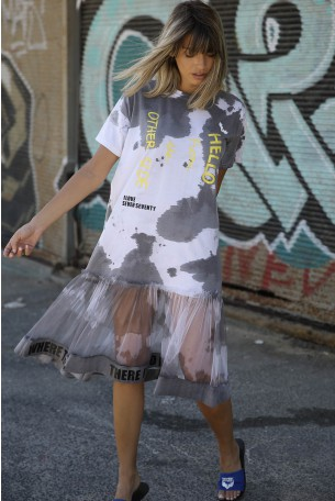 שמלת מוכתמת בשילוב טול HELLO