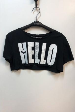 חולצת קרופ טופ שחורה HELLO