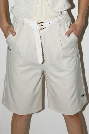 מכנסי ברמודה בגזרה מחויטת בגוון שמנת   SEVENTY