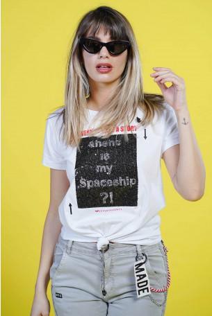 חולצת T לבנה  קוביית פייטים SPACESHIP