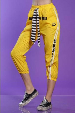 מכנסיי ניילון  צהובים WORLD