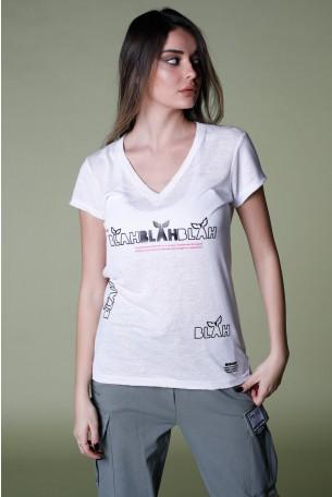 חולצת T לבנה מפתח V   BLAH