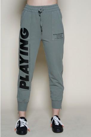 מכנסי פוטר בגוון ירוק זית רוכסן צד PLAYING