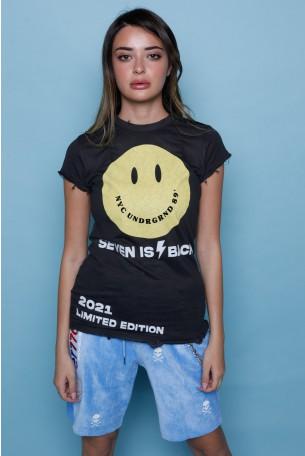 חולצת T בגימור קרעים שחורה SMILE