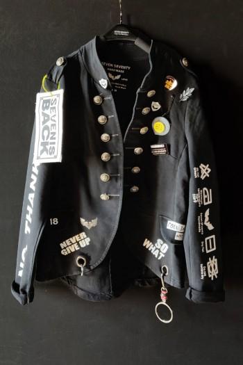 ג'קט בלייזר שחור בעיצוב ייחודי אחד ויחיד BELIEVE