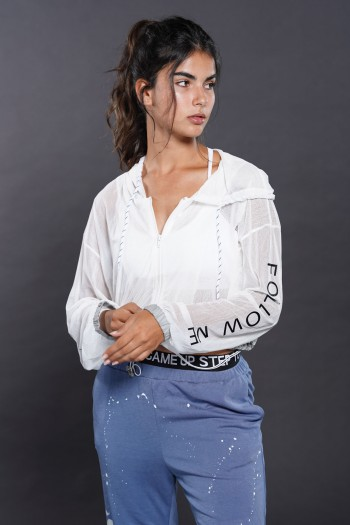 חולצת עליונית שקופה לבנה גזרה קצרה FOLLOW