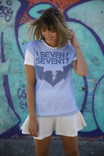 חולצה כחולה שילוב טול SEVEN