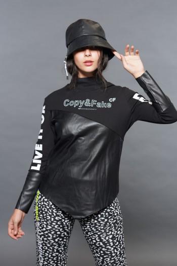 חולצת גולף שחורה שילוב דמוי עור LIVE