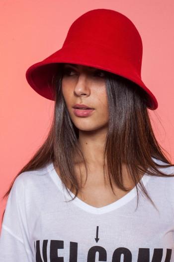 כובע אדום רחב שוליים RED