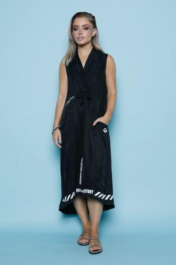 שמלה שחורה ללא שרוול גזרת V GIRL