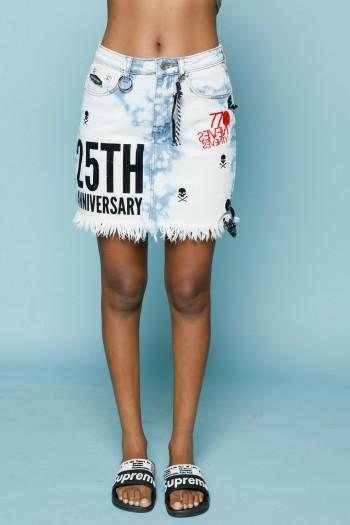 חצאית מיני ג'ינס ב גווני טאי דיי ANNIVERSARY