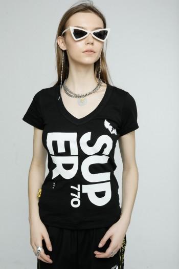 חולצת T צמודה שחורה  SUPER