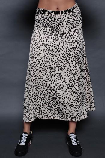 חצאית מידי סאטן מנומרת בגווני בז' וחום STORY
