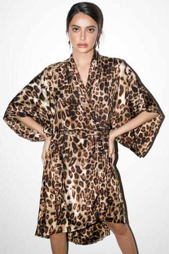 שמלת קימונו מנומרת סאטן INTERESTED