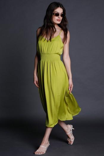 שמלת מידי בגוון ירוק מותן אלסטי CHIC