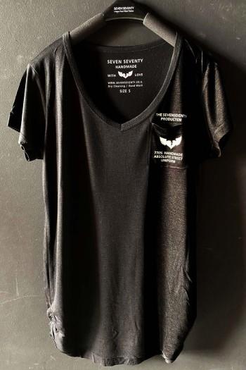 חולצת בייסיק טי שחורה מפתח וי UNIFORM