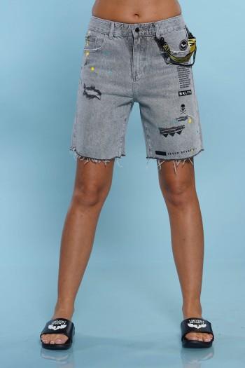 מכנסי ג'ינס קצרים בגזרה ייחודית BKLYN