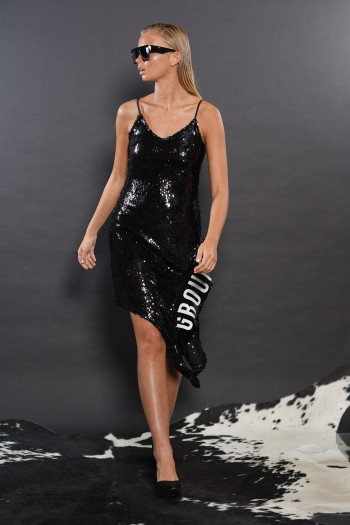 שמלת פייטים שחורה  GROUND