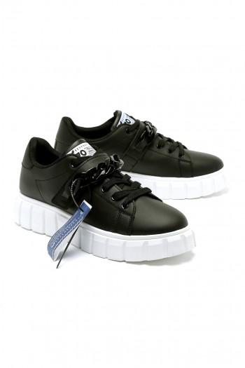 נעלי סניקרס שחורות שילוב שרשרת 770