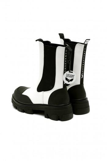 מגפיים מעוצבים בשחור לבן BLACK & WHITE