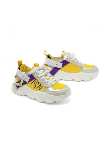 נעלי סניקרס בז' בשילוב צהוב וסגול COOL