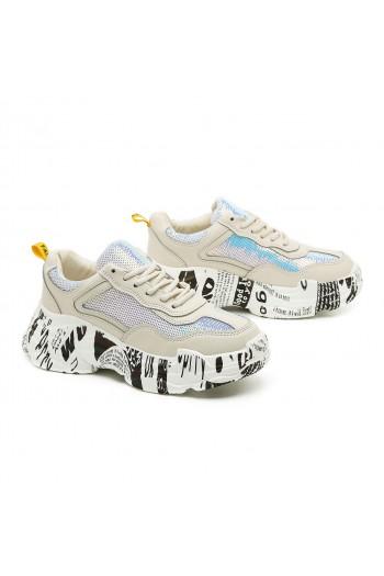נעלי סניקרס בז' עם סוליה מקושקשת COOL
