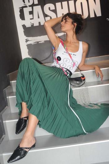 חצאית אקורדיון מקסי ירוקה STORY