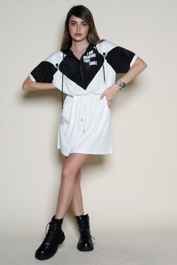 שמלת טוניקה מיני בלבן ושחור SMILE