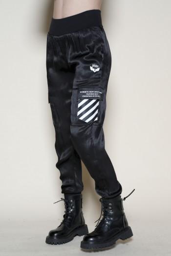 מכנסי סאטן שחורים חגורה אלטטית WRONG