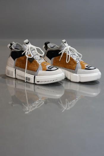 נעלי סניקרס גבוהות בגוונים של אפור וחרדל  COLOR BLOCK